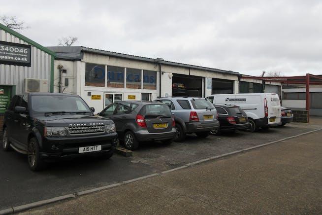 Unit 2, Dorset Way, Byfleet, Warehouse & Industrial To Let - IMG_1765.JPG