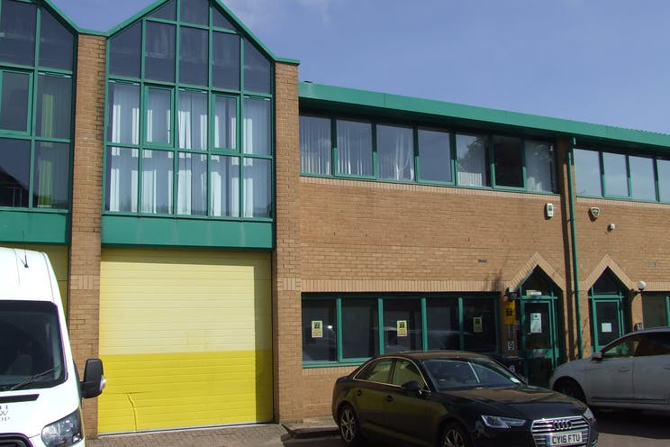 Unit 9 Brickfields Industrial Park, Bracknell, Industrial To Let - DSCF9488.JPG