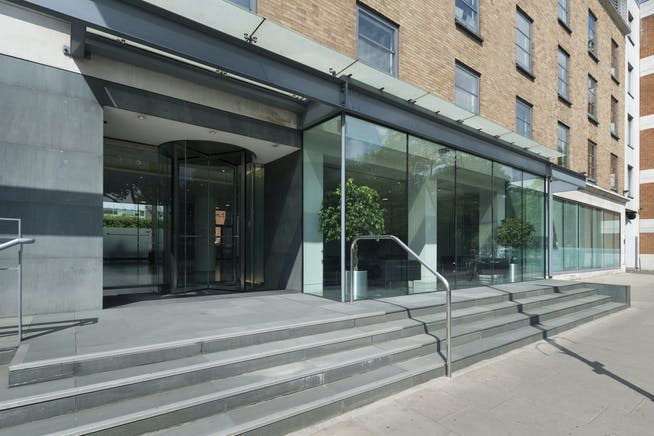 Hythe House, Hammersmith, Hammersmith, Offices To Let - IW220519GKA023.jpg