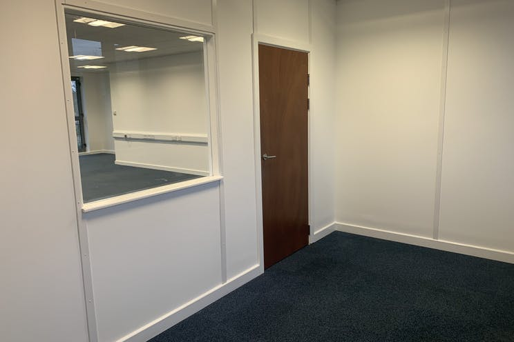 Unit 10  Axis, Leatherhead, Offices To Let - IMG_5850.jpg