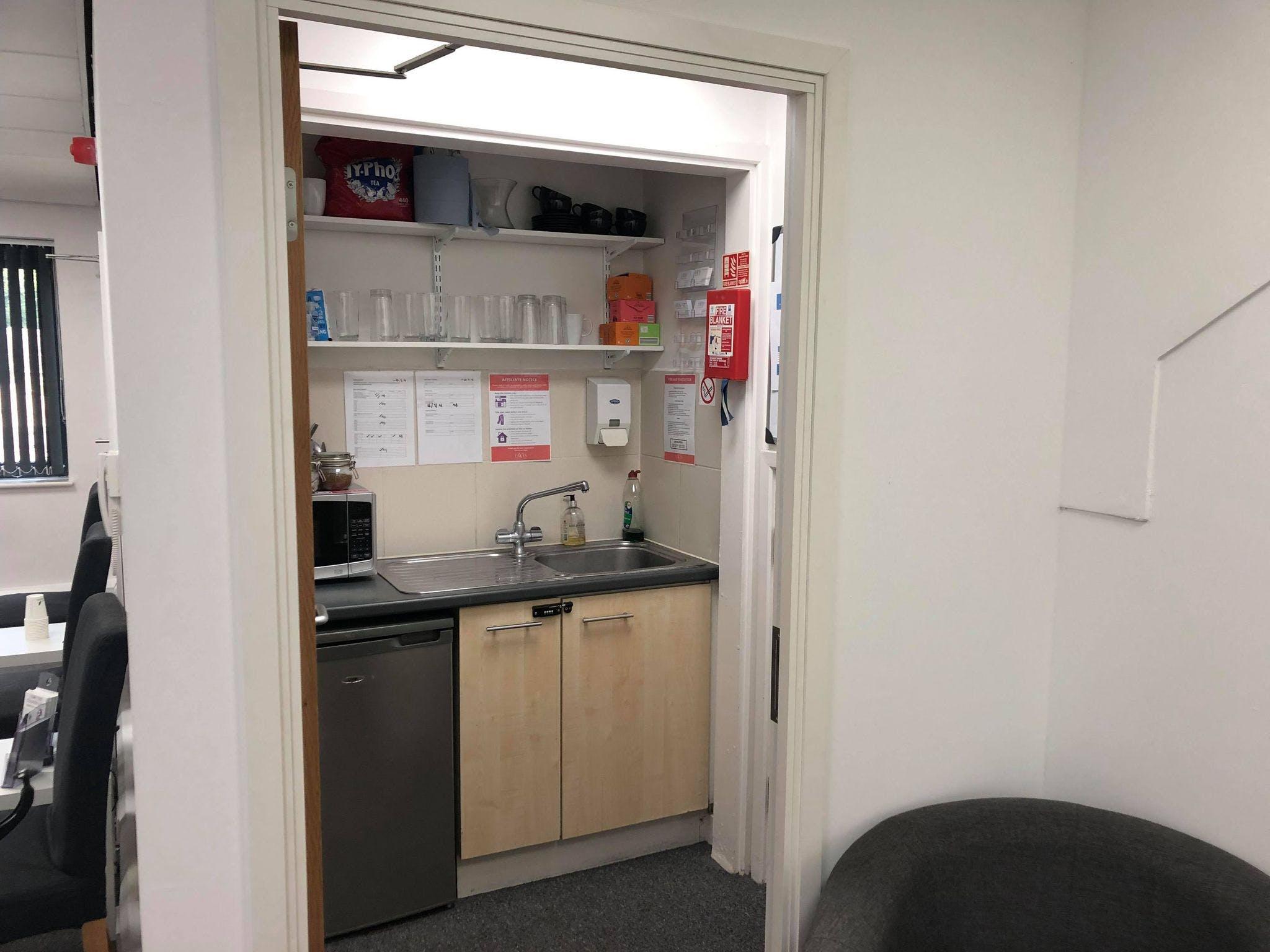 Unit 4 Parklands, Guildford, Offices To Let - 242808522_565509161395510_2801976463851240367_n.jpg