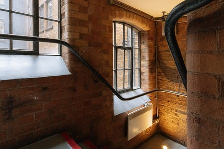 1-7 Boundary Row, London, Office To Let - stairwell