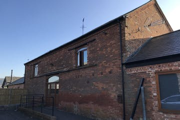 Field Farm, Lewknor, Office To Let - IMG_9709 2.JPG
