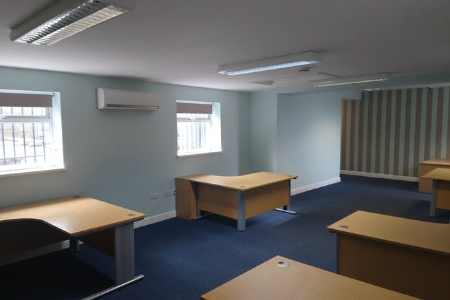Blackburn Business Centre, Blackburn Road, Sheffield, Offices To Let - DSC_2117.JPG