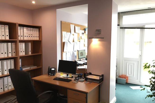 52 St Leonards Road, Bexhill On Sea, Office / Retail To Let - IMG_7952.JPG