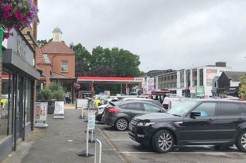 4 Hermitage Parade, Ascot, Retail To Let - IMG_8758.jpg