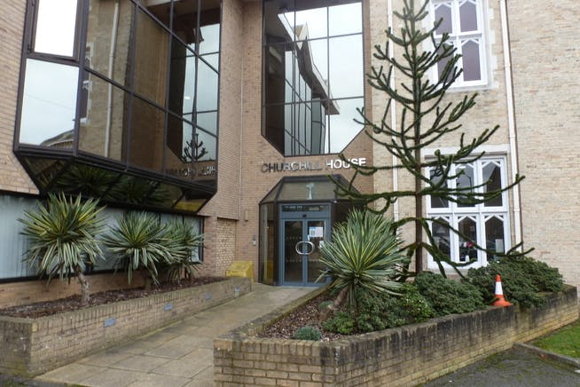 Churchill House, Slough, Investment / Offices For Sale - P1080596.JPG