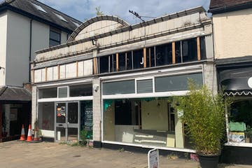 49-51 High Street, Leatherhead, Retail To Let - IMG-3849.JPG