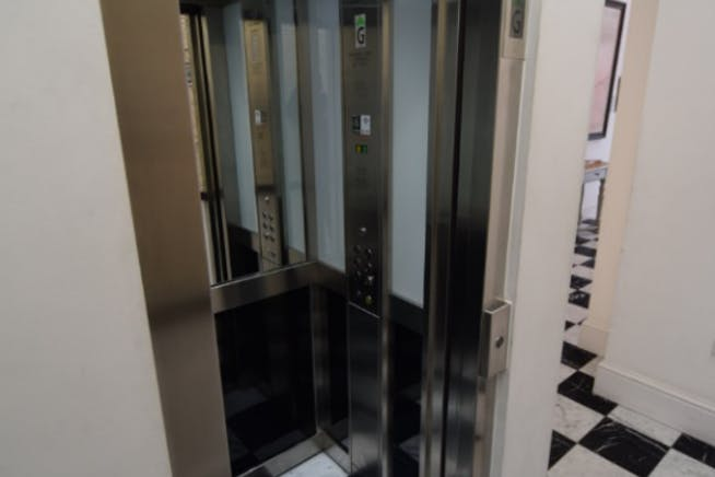 10 Argyll Street, London, Offices To Let - Lift