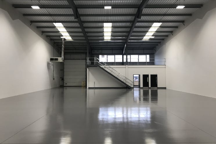 Unit 4 - J4, Camberley, Warehouse & Industrial To Let - IMG_2366.jpg