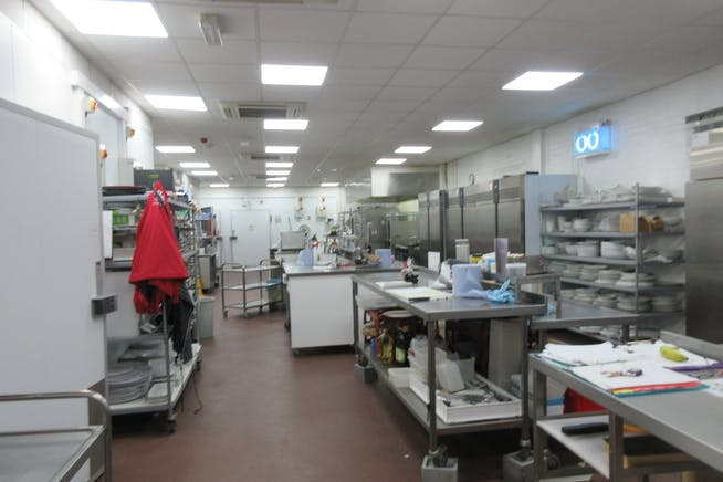 Allied House, Abbot Close, Byfleet, Offices / Warehouse & Industrial To Let / For Sale - IMG_2118.JPG