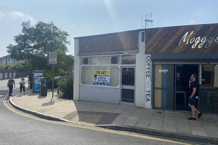 88 Clarendon Road, Southsea, Office / Retail / Restaurant / Takeaway To Let - image00007.jpeg