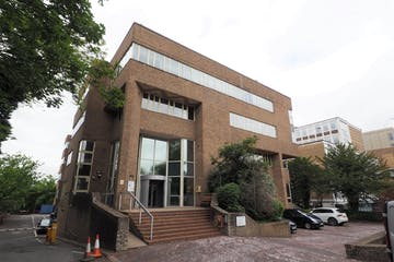 31-33 Perrymount Road, Haywards Heath, Office To Let / For Sale - P6100414.jpg