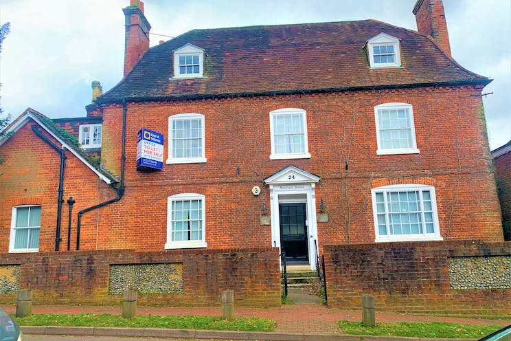 Fairfield House, 24 High Street, Bookham, Offices To Let - IMG_6844.jpg