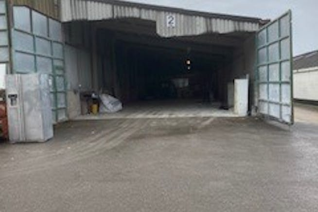 Unit 2 (North Wing), Thurley Business Units, Reading, Industrial To Let - 2 NW Thurley External.jpg