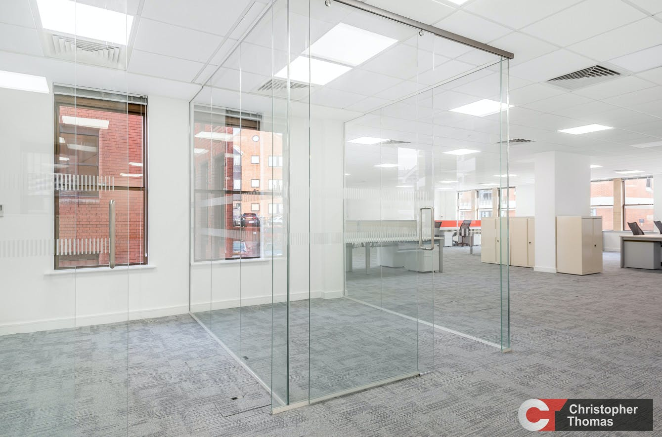 Royal Albert House, Sheet Street, Windsor, Office To Let - 627aa96e10e145df9d2805421911d0d2.jpg