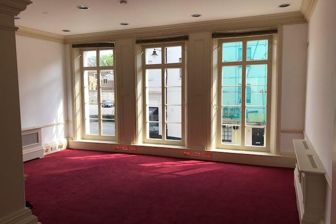 Kingsbury House, Windsor, Office To Let - IMG_6311.jpg