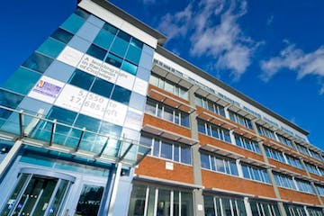 The Pinnacle, Crawley, Offices / Serviced Offices To Let - The Pinnacle