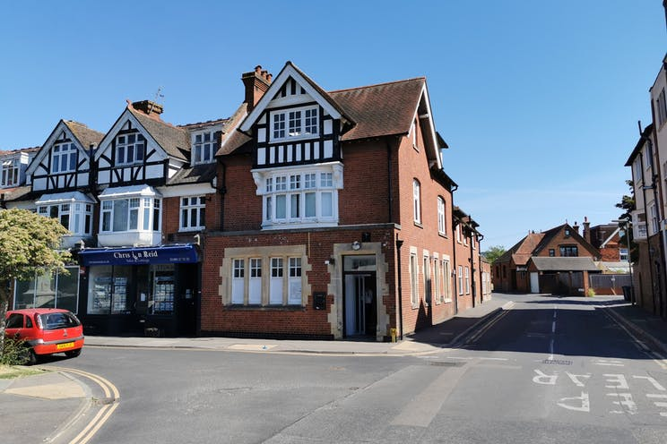 141 High Street, Cranleigh, Retail To Let - External2.jpg