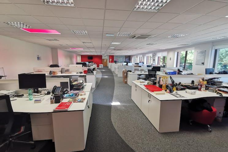 Unit 29 Barwell Business Park, Leatherhead Road, Chessington, Warehouse & Industrial To Let - FFOffice2.jpg