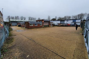 Unit 5 Bedford Road, Petersfield, Warehouse & Industrial To Let / For Sale - 20210201_115922_resized.jpg
