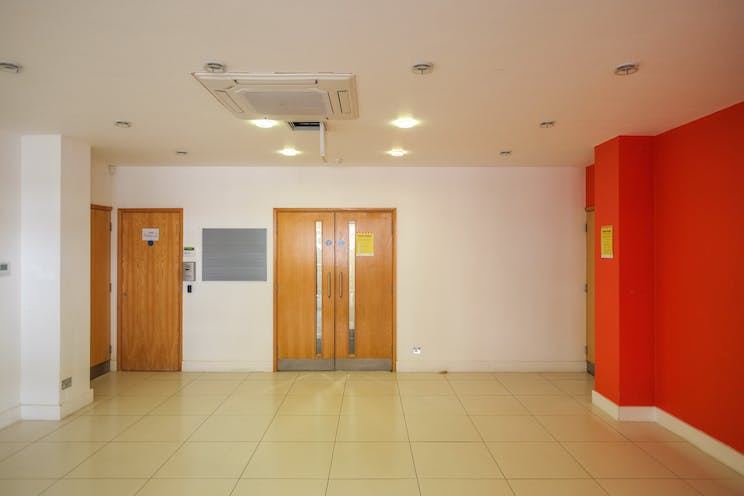 West Lodge, Station Approach, West Byfleet, Offices To Let - recep.jpg