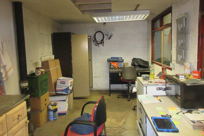 Unit 2, Dorset Way, Byfleet, Warehouse & Industrial To Let - IMG_1759.JPG