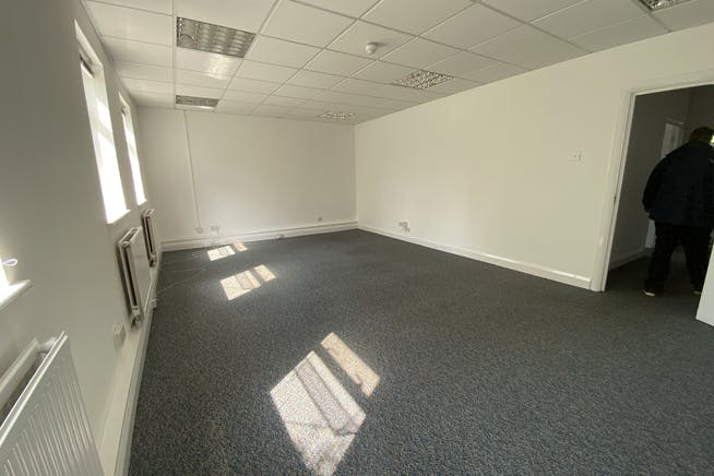 Unit 1 Hutchins Close, Stratford, Office / Industrial To Let - IMG_1364.JPEG