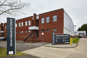 Unit 4, Heron Industrial Estate, Reading, Industrial To Let - CM1B1130med.jpg