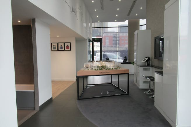 Unit 1, Unex Tower, London, Office / Retail To Let - IMG_1854.JPG