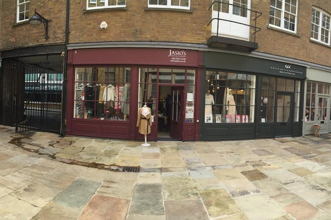 57B Smiths' Court, Central London, Retail To Let / For Sale - Smiths Court