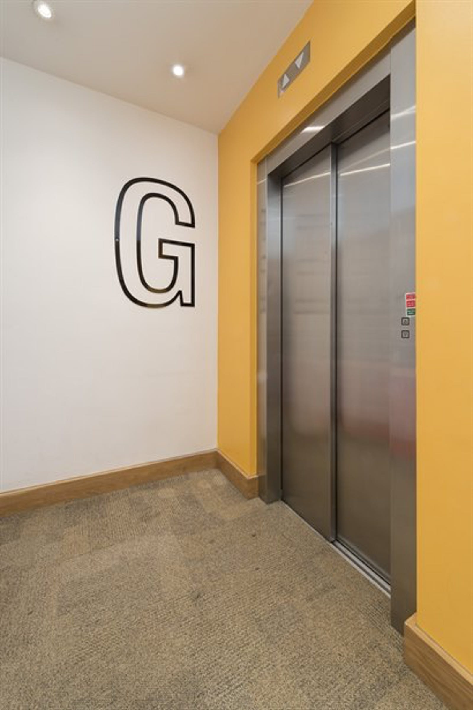 Chiswick Gate, Chiswick, London, Office To Let - 004_Property (1).jpg