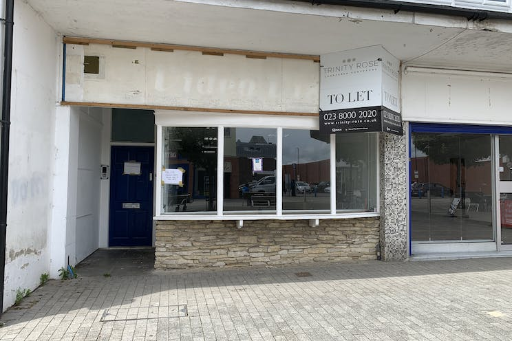 1 Queens Parade, Waterlooville, Retail To Let - 20210705 131609.jpg