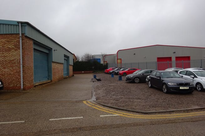 Units 26 & 27 - Raynham Industrial Estate, Raynham Road, Bishop Stortford, Warehouse & Industrial To Let - DSC01583.JPG