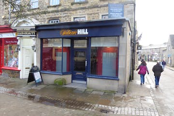 2 Bridge Street, Bakewell, Retail / Restaurant To Let - P1030752.JPG