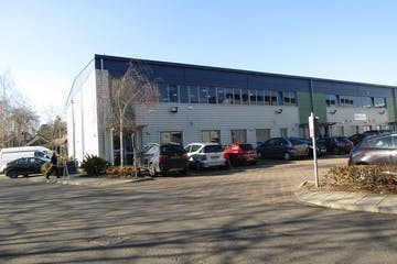 Unit 1, Wokingham Commercial Centre, Wokingham, Industrial To Let - Unit 1 Wokingham Commercial Centre 1.JPG