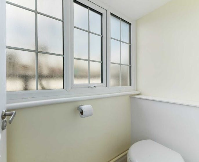 Devonshire Close, London, Residential To Let - Devonshire Close bathroom.jpg