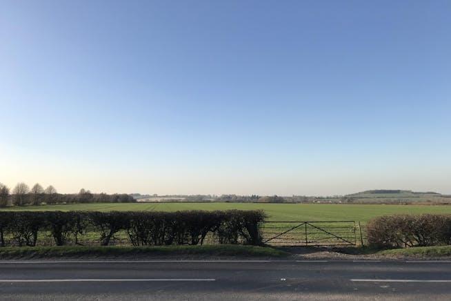 Field Farm, Lewknor, Office To Let - IMG_9717 2.JPG