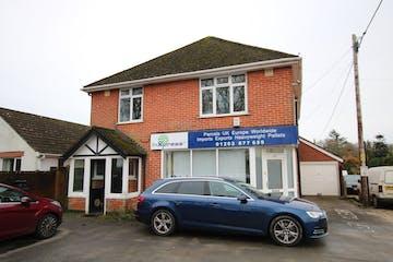 408 Wimborne Road East, Ferndown, Office To Let - IMG_3505.JPG