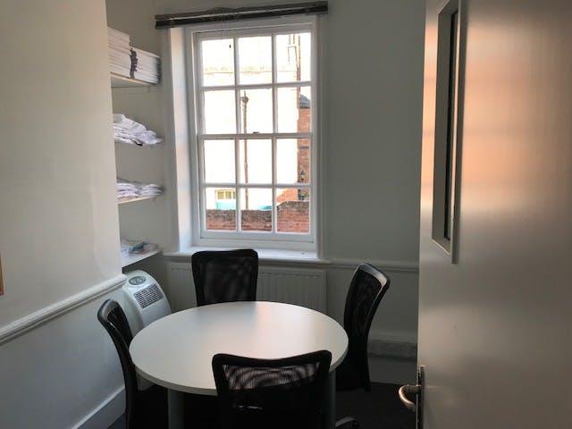 27 Sheet Street, Windsor, Office To Let - IMG_9400 002.jpg
