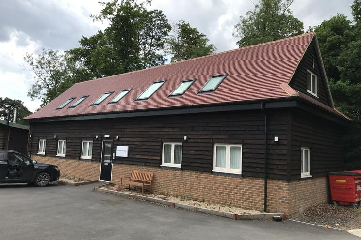Unit 2B Top Yard Barn, Hedsor Towers, Bourne End, Office To Let - Top Yard Barn.jpg