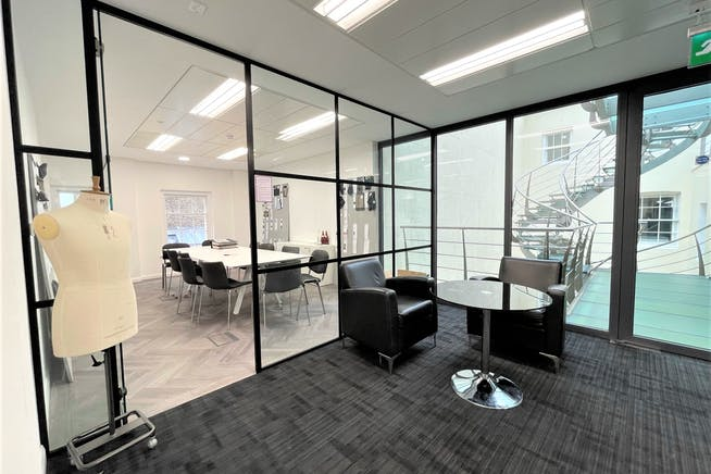 22 King Street, London, Offices To Let - Internal 1
