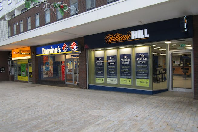 20 High Street, Bracknell, Retail To Let - IMG_1393.JPG