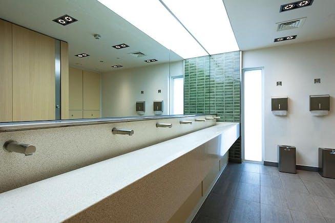Pinehurst II, Farnborough Business Park, Farnborough, Offices To Let - Toilets.jpg