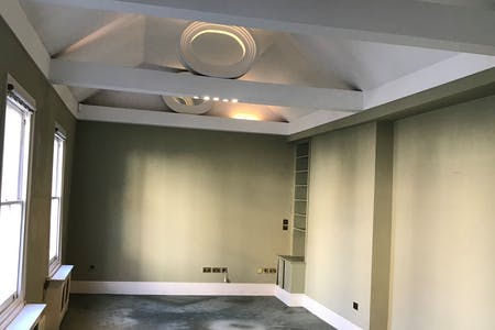 19 West Eaton Place, Belgravia, London, Office To Let - ceiling features.jpg