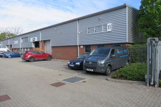 Unit 11, Camberley Business Centre, Surrey, Warehouse & Industrial To Let - IMG_0847.JPG