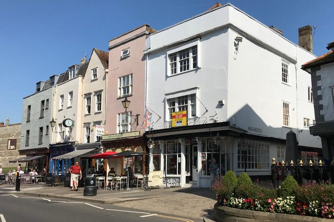 50 High Street, Windsor, Retail To Let - IMG_9229.jpg