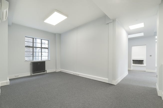 6A Reeves Mews, Mayfair, London, Office To Let - IW-020419-MH-017.jpg