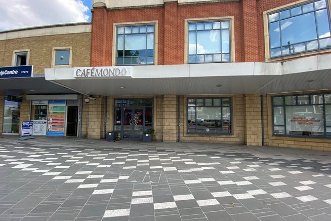 5 The Grove, Stratford, Retail To Let - IMG_2123.jpg