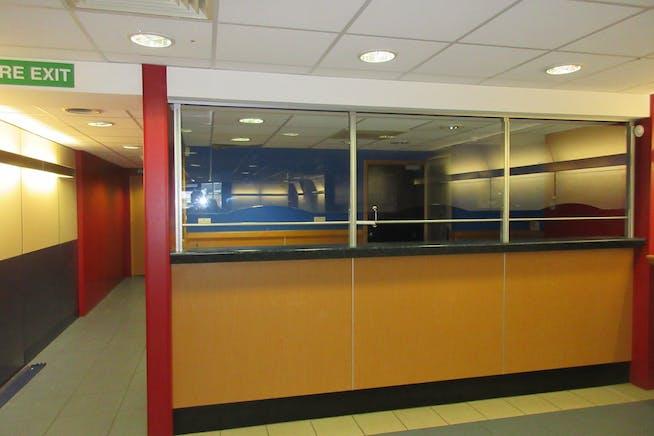 Ground Floor Retail Unit, 25 High Street, Shepperton, Retail To Let - IMG_2012.JPG